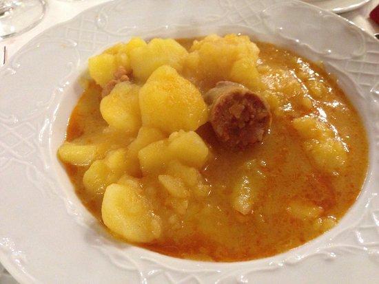 Meson Chuchi: Patatas a la riojana.