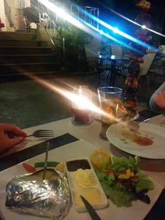 Mamma Mia Grill & Restaurant Kamala: Kebab