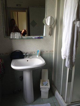Jonic Hotel Mazzaro: туалет