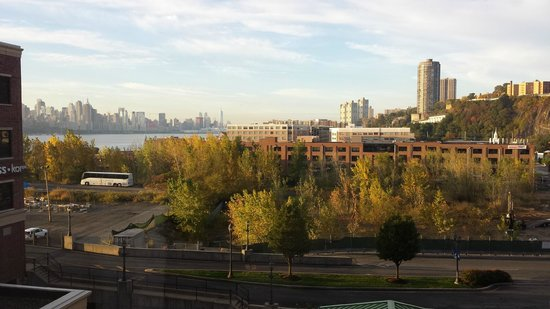 Homewood Suites by Hilton Edgewater - NYC Area : View from my room