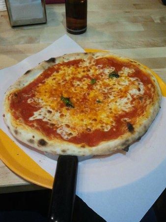 Mano a Mano Pizzeria y Empanadillería: pizza