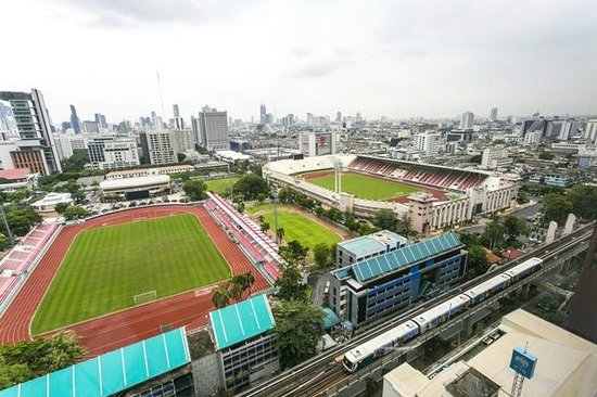 Holiday Inn Express Bangkok Siam: View facing the stadium