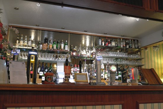Best Western Royal George Hotel: Part of the lounge bar