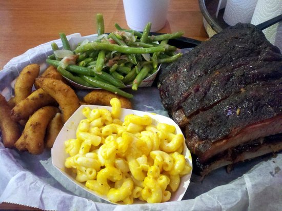 The Original Q Shack : Ribs, mac'n'cheese, green beans, and hush puppies.