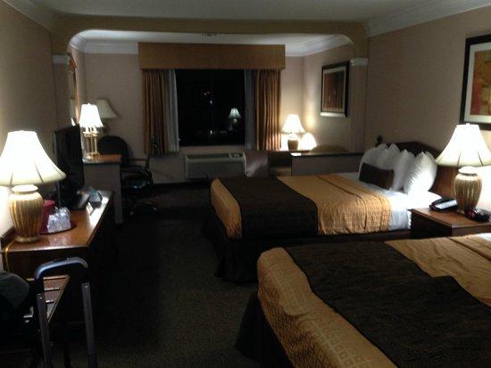 Best Western Plus Suites Hotel Camas Muito Confortáveis