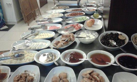 The Constantine Hotel: breakfast