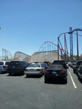 Six Flags Magic Mountain Fila Per Il Parcheggio