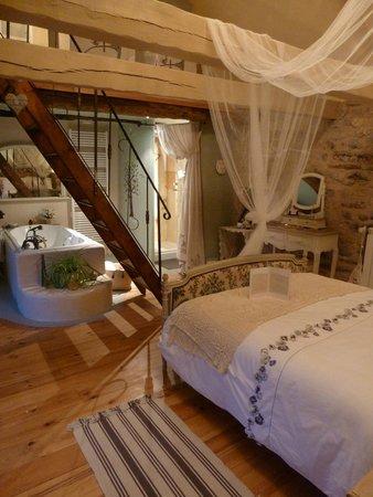 Romantic chambre l 39 aveyron coup de coeur photo de - Chambre d hote montrond les bains ...