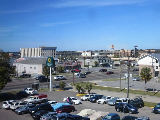 La Quinta Inn & Suites New Orleans Airport : View out of our window