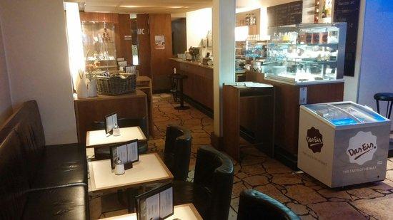CAsia Espressobar: Cafe