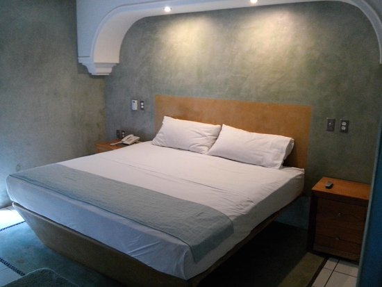 Hotel Rio Malecon Puerto Vallarta : La vista del interior de la cama