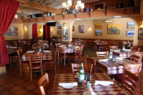 DiGiorgio's Cafe Largo : Main Dining