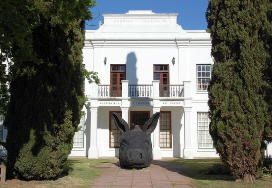 Stellenbosch Town Hall: A building by the Stellenbosch square