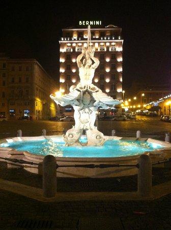 Hotel Sistina: Piazza Barberini - próximo ao Hotel