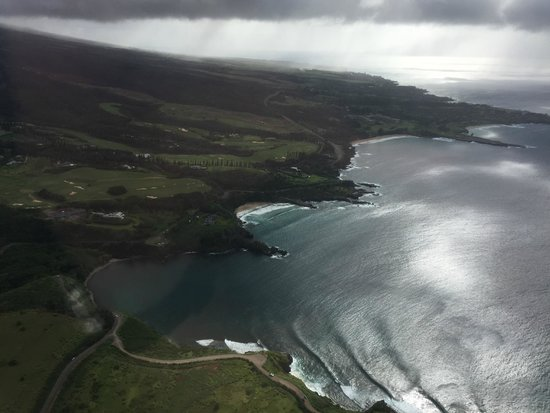 The Ritz-Carlton, Kapalua : view from a helicopter