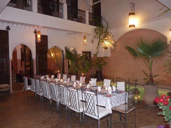 Riad Anya: Table pour un anniversaire