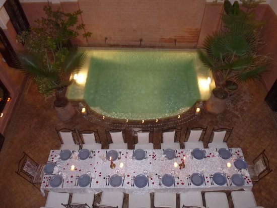Riad Anya: Table pour un groupe