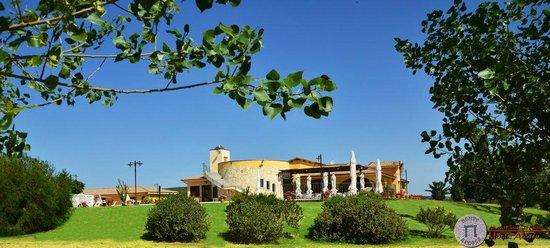 Uta, Italien: Vista esterna del giardino