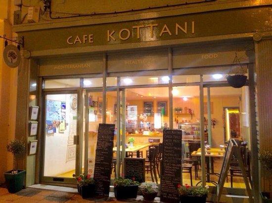 Cafe Kottani: Outside!!