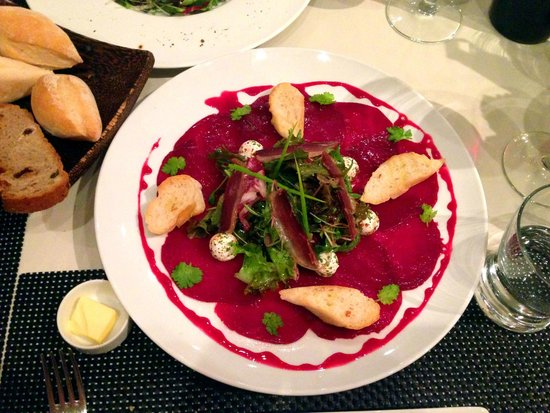 Abacus Restaurant, Garden & Bar : Beets carpaccio with goat cheese