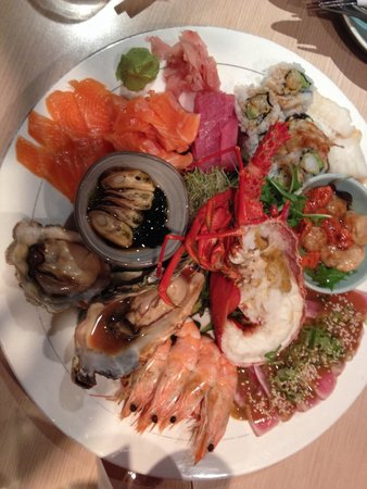 Minami Jujisei Japanese Restaurant: Seafood platter with crayfish, excellent