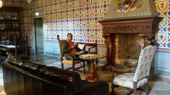Castello delle Serre: Sipping some wine in the king's quarters:)