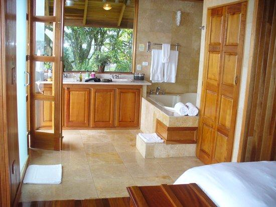 Hotel Belmar : Room/Bathroom