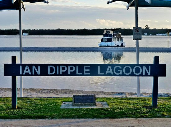 Labrador, Australia: Ian Dipple Lagoon