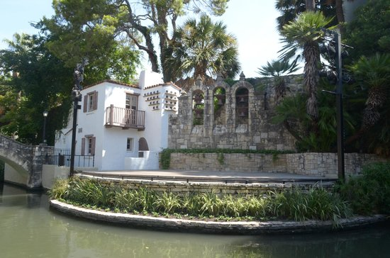 Arneson River Theater