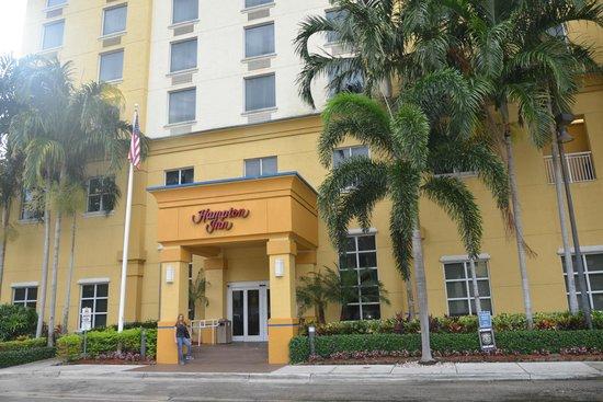 Hampton Inn Ft. Lauderdale /Downtown Las Olas Area: Fachada principal.