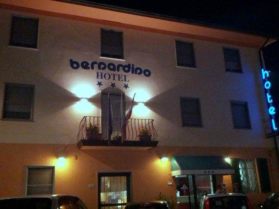 Hotel Bernardino: La facciata dell' Hotel