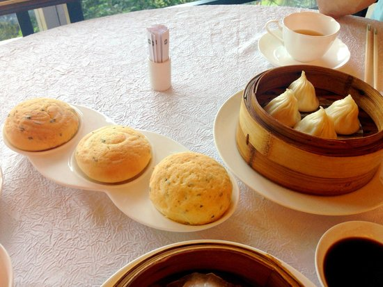 Summer Palace: Almond paste bun (so good!!) Xiu-long-bao (Soup dumpling)
