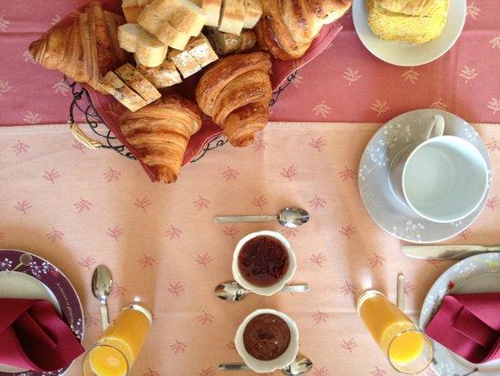 Les Hautes Gatinieres: L'excellent petit déjeuner