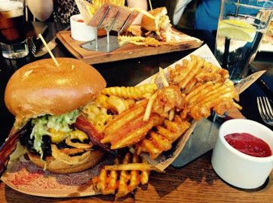 Signature Bacon Mac N Cheese Burger - Picture of Guy Fieri\'s Vegas ...