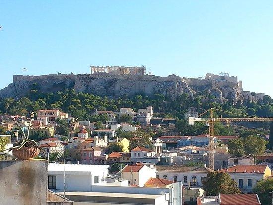 AthenStyle Hostel: View to the Acropolis