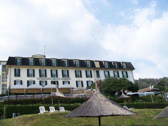 Hotel Villa Paradiso: l'hôtel vu de la plage