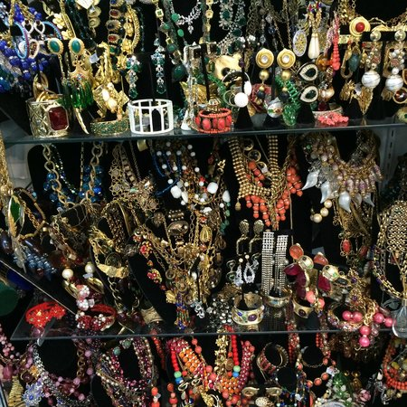Sheriu0027s Vintage Collections like a vintage costume jewelry museum. & like a vintage costume jewelry museum. - Picture of Sheriu0027s Vintage ...