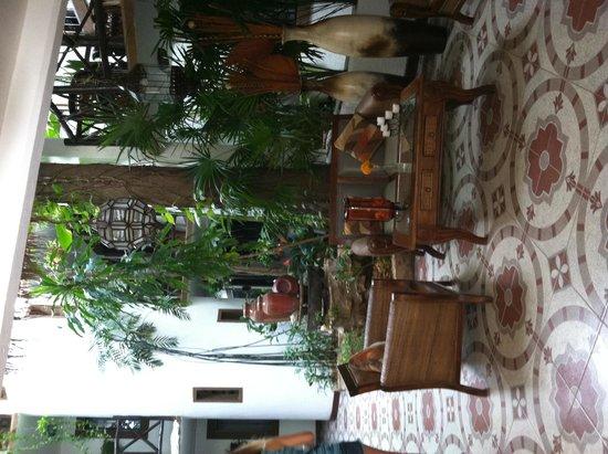 Hotel Boutique Posada Mariposa: Courtyard