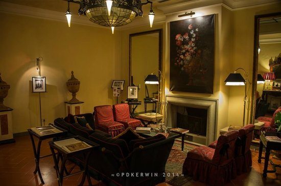 Sitting room picture of hotel cellai florence tripadvisor for Cellai hotel florence