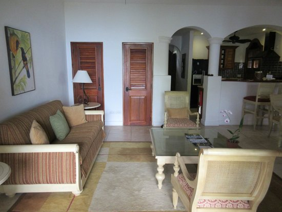 Cap Estate, Saint Lucia: villa living room