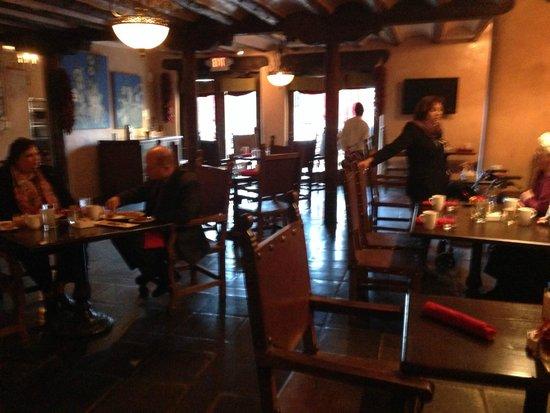 Fuego Restaurant: レストラン内