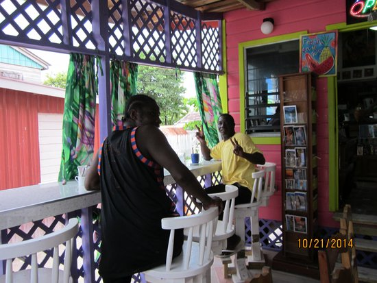 Caribbean Colors Art Cafe: another shot of the outside deck seating