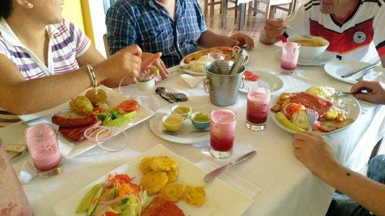 Dona Zully: Comida típica de la amazonía.