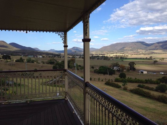 R on the Downs Rural Retreat: The stunning panoramic views