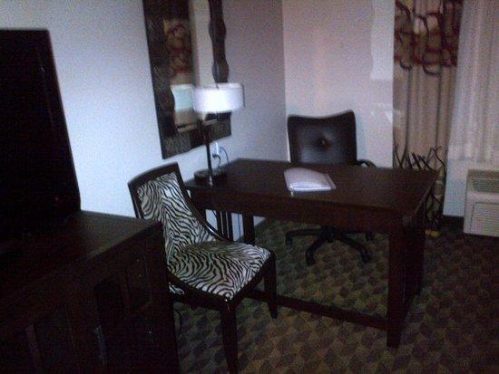 Arcata/Eureka Holiday Inn Express: Desk area