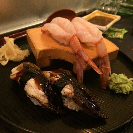 Sakana Sushi Sushi gambero crudo e sushi anguilla