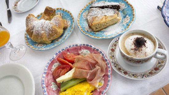 Hotel Pellegrino: Fantastic Breakfast