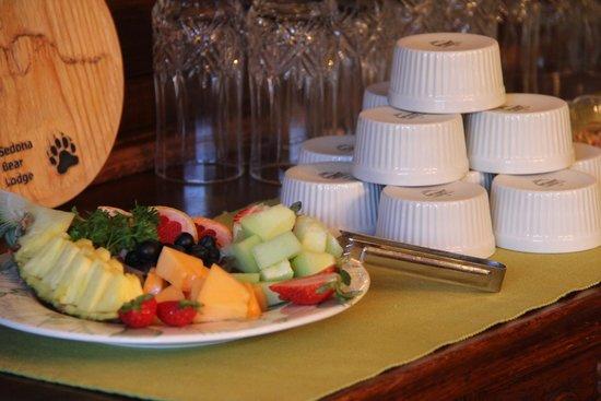 Sedona Bear Lodge : Fresh Fruit