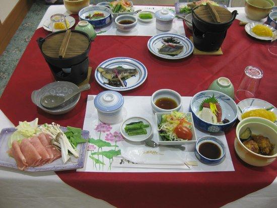 Hotaka View Hotel: อาหารที่ปรุงจากวัตถุดิบที่สดสะอาดปลอดสารพิษ เค้าเรียกว่า ชุด ไคเซกิ