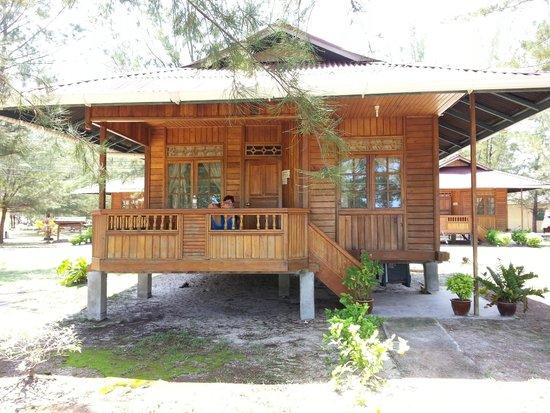 Mengalum Tours & Dive Resort